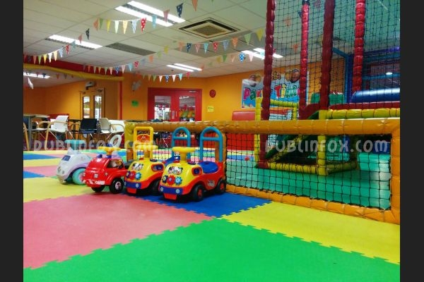 review and photos of mr b 39 s playcentre. Black Bedroom Furniture Sets. Home Design Ideas